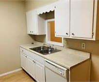 Kitchen, 138 Jennifer Ln
