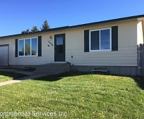 3539 Cottontail Ln, Mills, WY