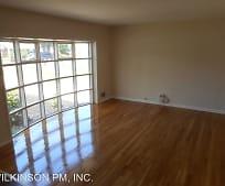 Living Room, 6109 Craft Rd