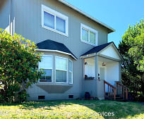 933 S 4th St, Coos Bay, OR