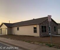 Building, 2328 S Willard Ave