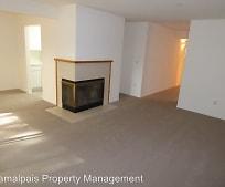 Living Room, 427 Enfrente Rd