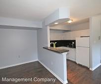Kitchen, 1506 S George Mason Dr