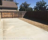 2129 W Clare Ave, Pixley, CA
