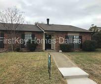 8213 Woodside Rd, Dalrock, Rowlett, TX