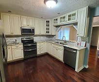 1318 Johnson Rd, South Hills, Charleston, WV