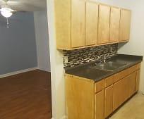 Kitchen, 405 Hale St