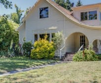 518 S Oakdale Ave, Central Point, OR