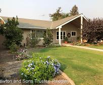 2461 Carolyn St, Lincoln Elementary School, Kingsburg, CA