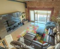 Living Room, 530 Manzana Pl