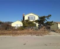 2 Shore Rd, East Patchogue, NY