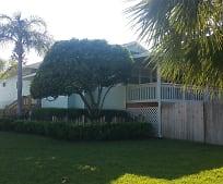 600 Barry Pl, Indian Rocks Beach, FL