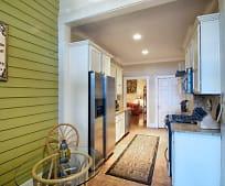 Kitchen, 40 E Broad St
