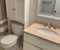 Bathroom, 2727 Highland Ave