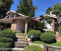 2076 Fuerte Ln, Country Club, Escondido, CA