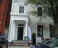 Building, 134 Warren St