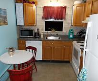 Kitchen, 630 Center St
