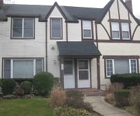 107 St Marks Pl, Thomaston, NY