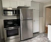 Kitchen, 70 Washington Ave
