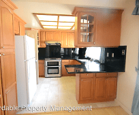 Kitchen, 32728 Dinuba Ct
