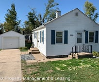 1050 5th St, Marion, IA