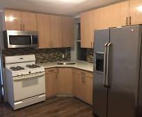 Kitchen, 17235 Highland Ave