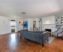 Living Room, 2415 S Flagler Dr