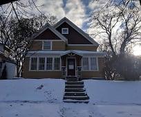 504 E Vernon Ave, Fergus Falls, MN