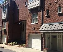 Building, 100 N Laurel Ave