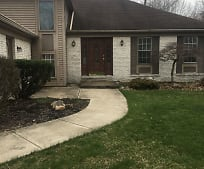 25615 Hidden Acres Dr, North Olmsted, OH
