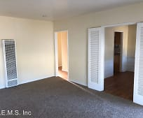 Living Room, 1710 N McDivitt Ave