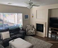 Living Room, 2811 Strathallan Ave