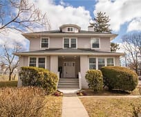 15 Saxon Ave, Bay Shore, NY