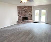 119 Pinevale Way, Pinewood Estates, TX