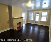 1306 8th Ave, Beaver Falls, PA