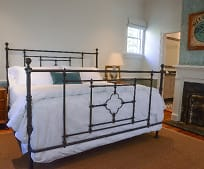Bedroom, 14 Council St