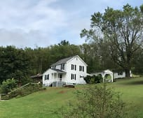 27 Hathaway Dr, Rock Cave, WV