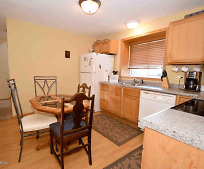 Kitchen, 156 E 4th St