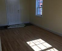 Living Room, 510 E Mt Vernon St
