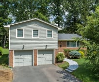 19 Woodbine Cir, Murray Hill - NJ TRANSIT, New Providence, NJ