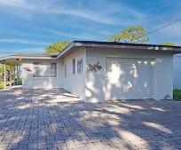 652 S McCall Rd, Englewood, FL