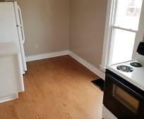 Kitchen, 420 W 7th St