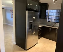 Kitchen, 550 SW 115th Ave