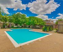3045 Park Ln, Irving, TX