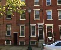 Building, 118 S Walnut St