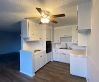 Kitchen, 304 N Lincoln Ave
