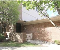 6720 Maple Lakes Dr, Walnut Creek Middle School, West Bloomfield, MI