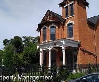 Building, 644 W Main St