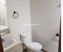 Bathroom, 1630 S Homan Ave