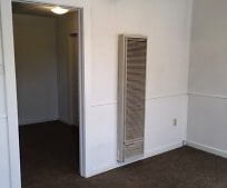 208 W 9th St, Portales, NM